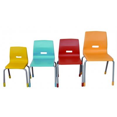 Kovové židle s plastovými sedáky, v. 35 cm