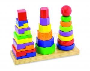Dřevěná pyramida - 3 věže